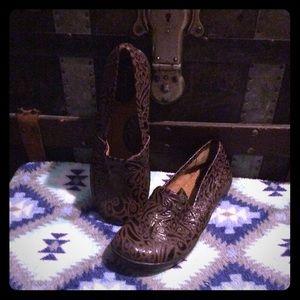 Genuine b.o.c. Shoe